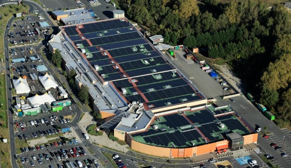 soprema r alise 142000 m2 de toitures photovolta ques en r novation pour le groupe casino l. Black Bedroom Furniture Sets. Home Design Ideas