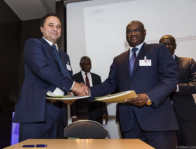 Un projet photovoltaïque de 50 MW sur les rails au Mali