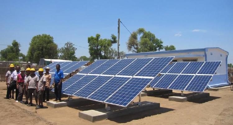 Humanitaire: deux centrales photovoltaïques entrent en service à Madagascar
