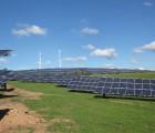 La centrale photovoltaïque de 10 MW (38364 panneaux PV et 139 onduleurs) réalisée l'an passé sur un terrain de 17,8 ha dans la zone d'activité Plütscheid-Feuerscheid en Rhénanie-Palatinat pour le compte du collectif citoyen BÜS par le développeur Wirsol. Le projet a nécessité la création d'un chemin de câblage de 16 km.