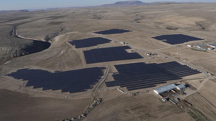 En Bref: ReneSola, Neoen, Phoenix Solar, Meteocontrol