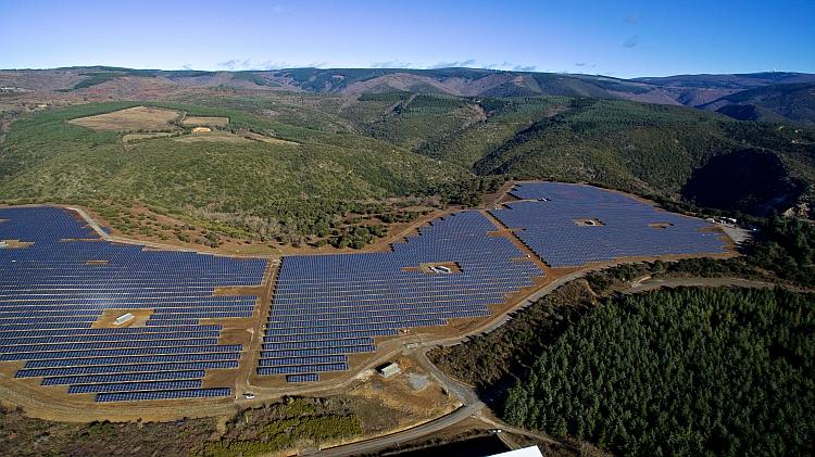 Réalisations PV en France: RES, Aleo Solar