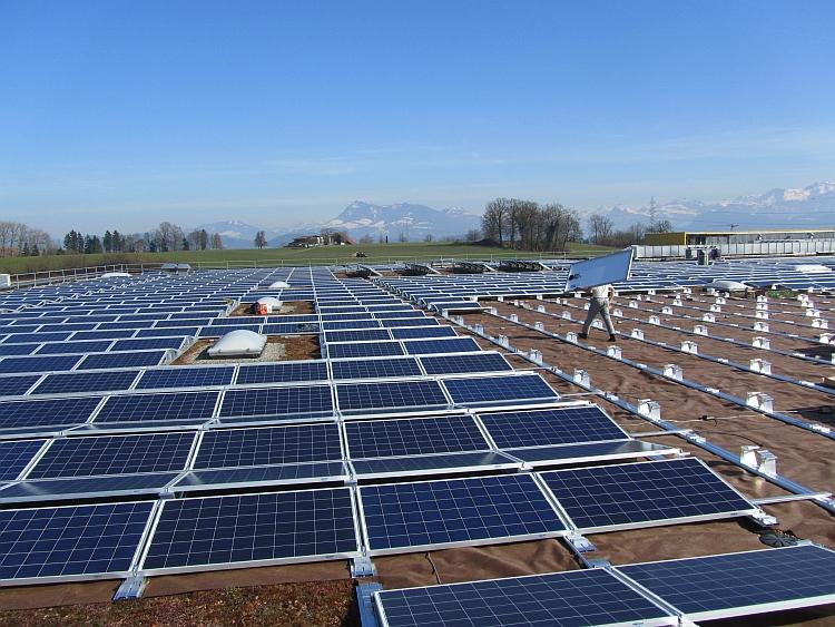 IBC Solar propose un système de montage adapté pour tout type de toiture