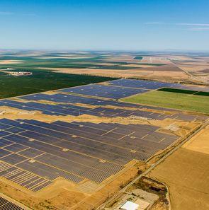 Surcapacité de production: restructurations chez Canadian Solar, Enphase, REC Silicon, SolarWorld …