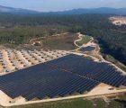 La centrale photovoltaïque du Mouruen dans le Var, réalisée par La Compagnie du Vent. Crédit Photo : Mydrone.fr