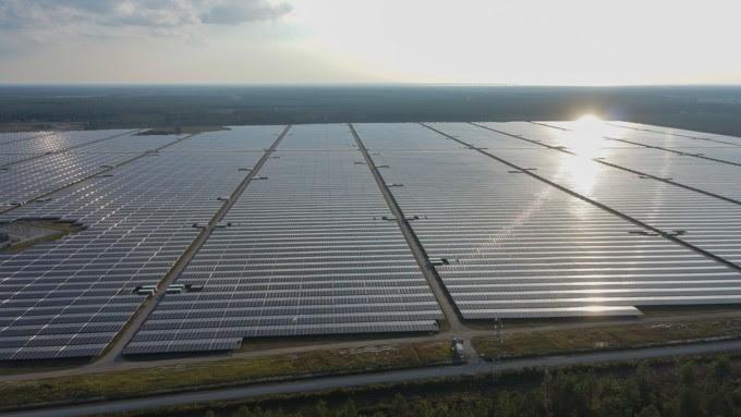 Alliance franco-française pour le déploiement de 750 MW de solaire dans le monde