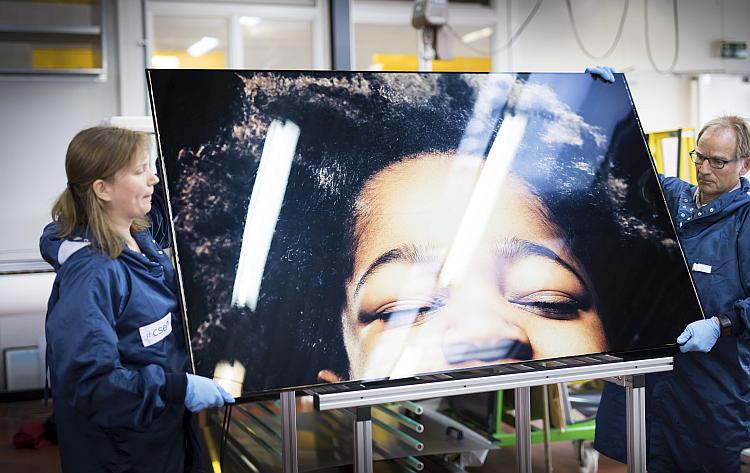 Le CSEM intègre des images haute définition à des panneaux solaires