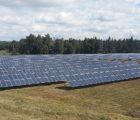 Le 30 août prochain sera inaugurée une centrale photovoltaïque construite par Arkolia Energies sur environ 6 ha de l'ancien centre d'enfouissement technique du SICTOM des hauts plateaux à Saint Paul de Tartas (Haute-Loire). Mise en service fin 2015, la centrale affiche une puissance de 1782 kWc.