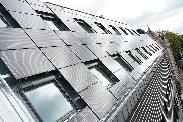 Le photovoltaïque contribue à l'efficacité énergétique d'un bâtiment universitaire à Lille