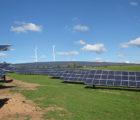 Le développeur Wirsol a étendu de 485 kWc une centrale photovoltaïque existante sur les bâtiments du logisticien Nuss (Wörth am Rhein, Rhénanie-Palatinat ), et a ainsi porté la puissance totale à près de 2,5 MWc. Le siège de Nuss avait été équipé d'un premier générateur solaire de 700 kWc dès 2008; trois autres tranches d'installation ont suivi. Le premier générateur a été «modernisé» parallèlement à la dernière extension.