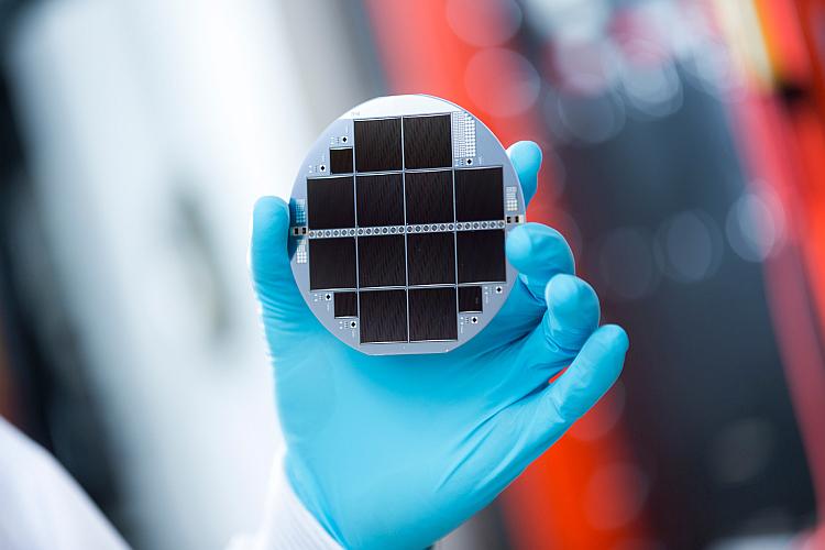 Rendement de conversion: 33,3% pour une cellule solaire à jonctions multiples!
