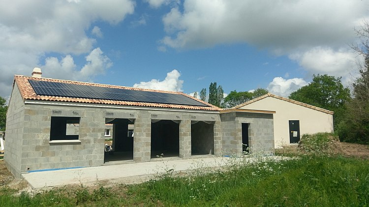 Terre Solaire équipe la première maison Bâti Activ de Maisons de l'Avenir