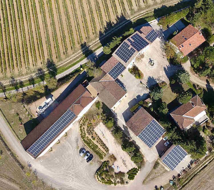 Vin bio et énergie solaire riment au domaine viticole La Liouvière