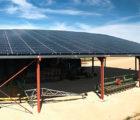 La toiture PV de 99,75 kWc est orientée au Sud, avec une inclinaison de 14°.
