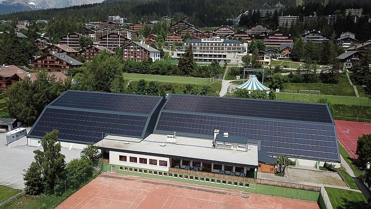 Une toiture PV de 2200 m2 avec autoconsommation partielle à Crans-Montana