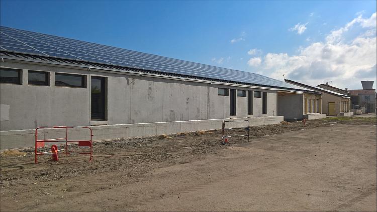 Un restaurant scolaire équipé d'une centrale PV de 80 kWc