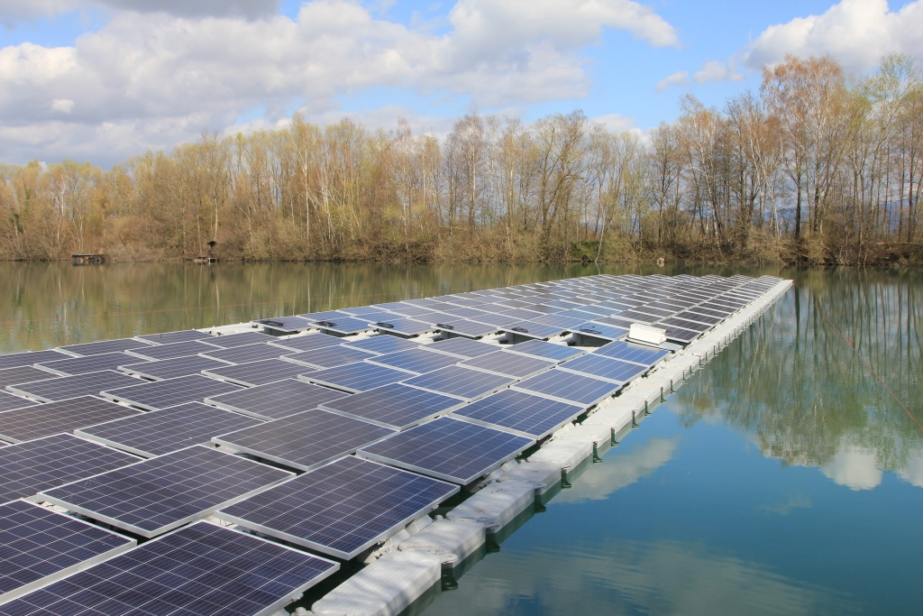 Autoconsommation: une centrale flottante de 750 kW pour une gravière en Allemagne