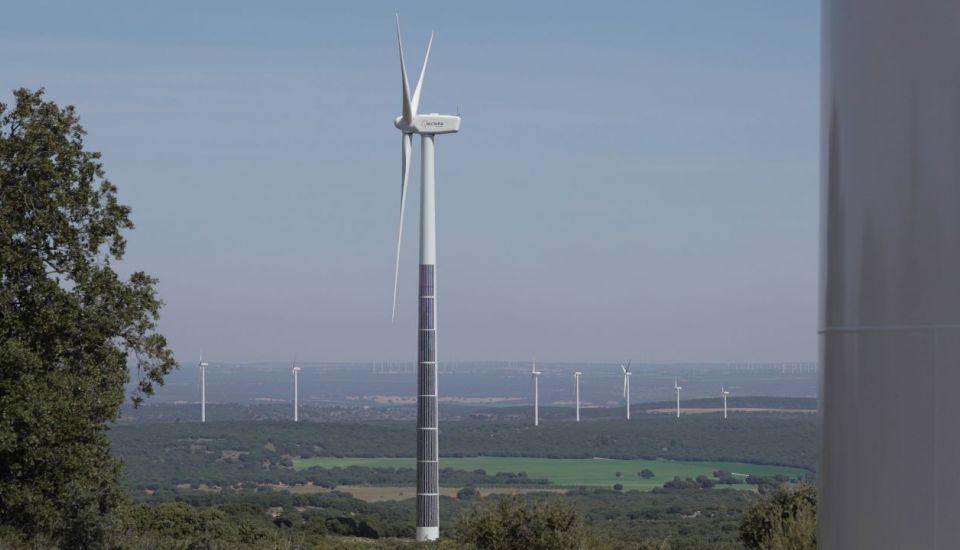 L'espagnol Acciona combine éolien et photovoltaïque