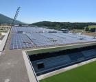 Toiture photovoltaïque du complexe sportif Tissot-Arena à Bienne (Suisse).