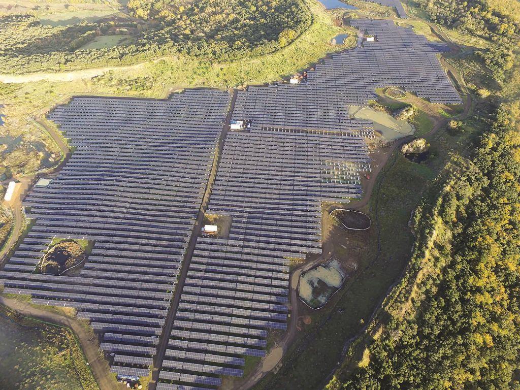 Une centrale solaire de 11,5 MWc réhabilite une ancienne carrière