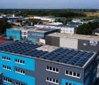 Deux centrales PV de 70 kWc et 62 kWc combinées à un stockage sur batterie pour 30 kWh (et des stations de recharge pour véhicules électriques) ont été réalisées par Wirsol pour la société in Tec Bensheim qui compte ainsi couvrir 72% de ses besoins en électricité en autoconsommation.