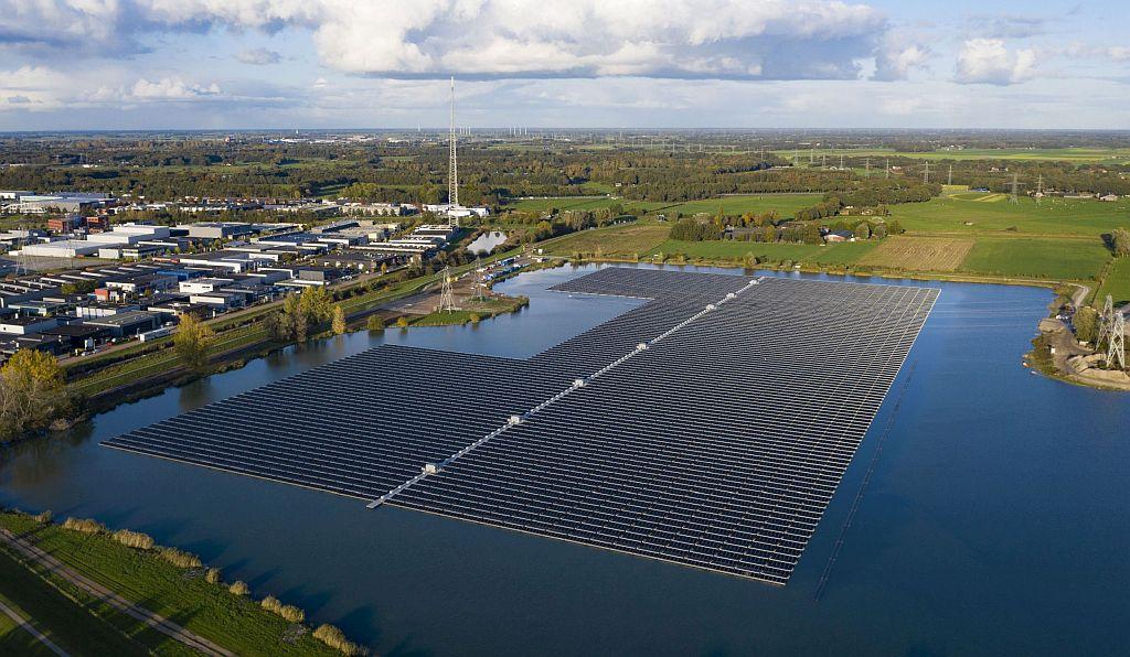 BayWa r.e. concrétise une centrale PV flottante de 14,5 MWc aux Pays-Bas