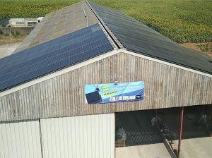 La SCEA Folie Rouge en Vendée opte pour la technologie micro-onduleur APsystems sur 600 m2 de toiture